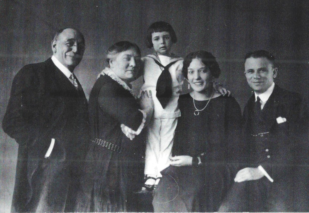 Neumann_Family_Crop